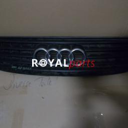 Audi TT díszrács