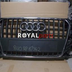 Audi Q3 díszrács